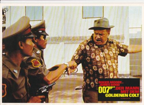 Der Mann mit dem goldenen Colt- 16 Fotos